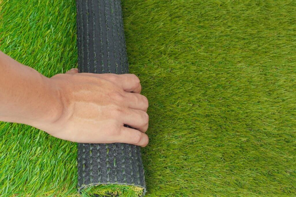 roll of putting green